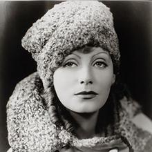 Greta Garbos kläder går på auktion i Sverige