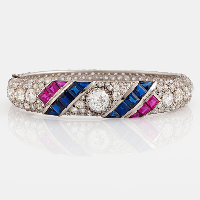 A beautiful arm ring