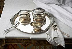 Silver på det dukade bordet E287