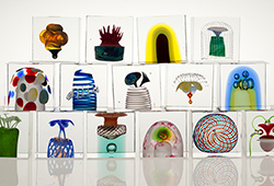 Oiva Toikka – the master of glass art E356