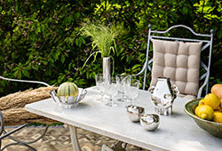 Decorate outdoors E381