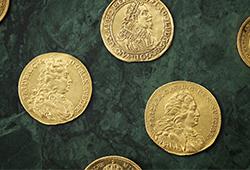 Svenska guldmynt från tre århundraden E534
